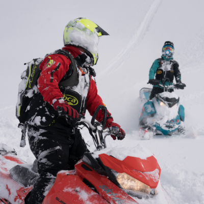 (L to R) Curtis Pawliuk (red) and Marshall Dempster (teal) of Frozen Pirate Snow Services had an exceptional day riding in Valemount's Allan Creek.