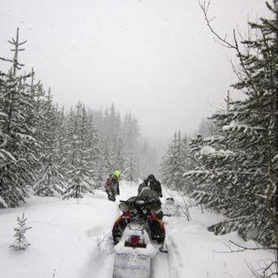 Snowmobilers in the Cariboo region are one step closer to completion of the Gold Rush Snowmobile Trail. Not only is the new bridge over Moffat Creek open, but new signs with trail names and maps were installed allowing for safer public use.
