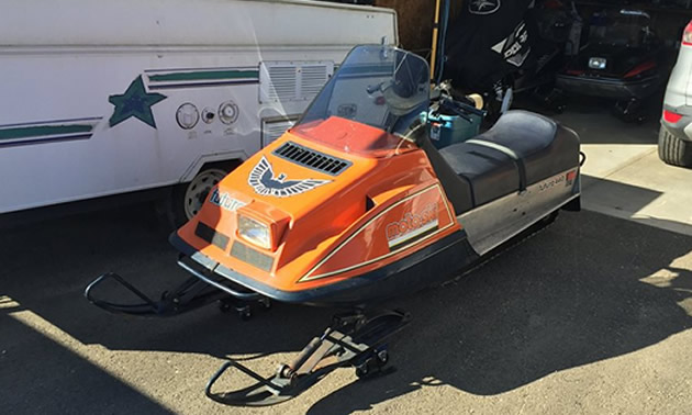 Picture of orange Moto-Ski
