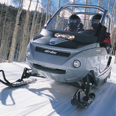 Picture of the 2005 Ski-Doo Elite, a two-seater snowmobile.