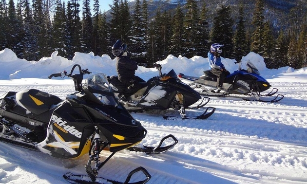 snowmobilers ready to ride